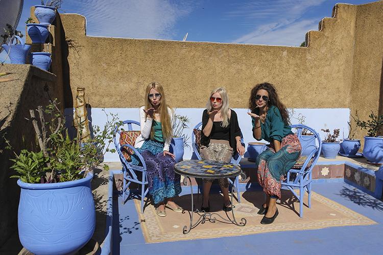 Naisporukalla Marokossa